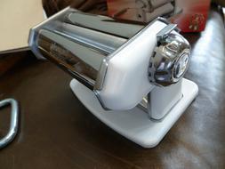 NIB IMPERIA PASTA MAKER MACHINE BEAUTIFUL WHITE COLOR